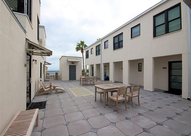 Shared Condo Courtyard