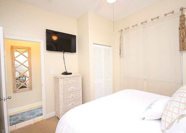 King Master Bedroom with Flat Screen TV