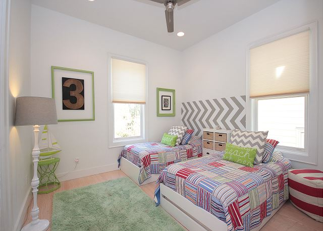Guest Bedroom with Dual Twin Bed Set-up