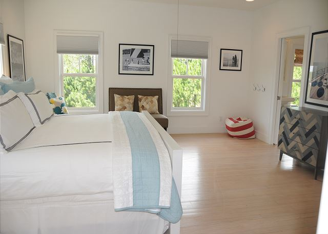 King Master Suite with Extra Seating & Flat Screen TV