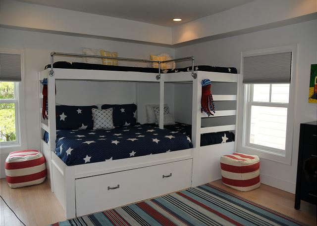 Bunk Room with Additional King Bed & 3 Twins (Sleeps 5)