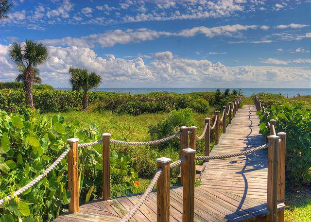 Shorewood Boardwalk to the beach