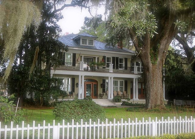 Isle of Hope Bluff Home