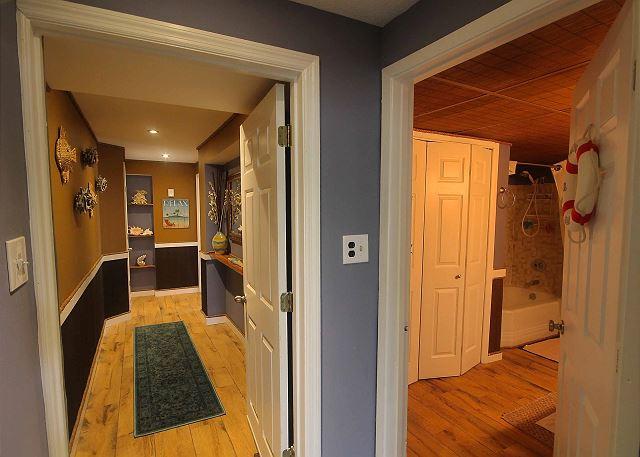 hallway to 2nd bedroom