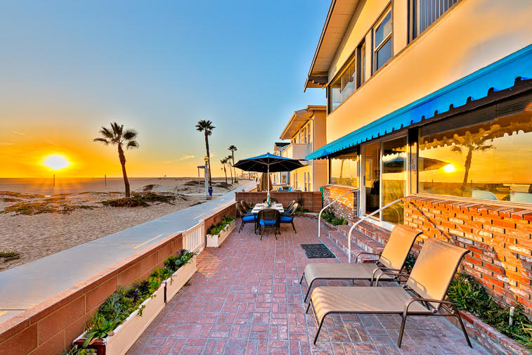 Dine Al Fresco While Enjoying The Sunset Beach Scenery And People Watching On Boardwalk