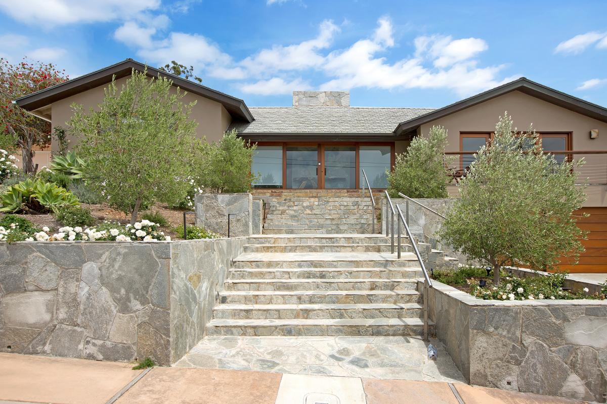 5907 - Maison Moderne   SeaBreeze Vacation Rentals