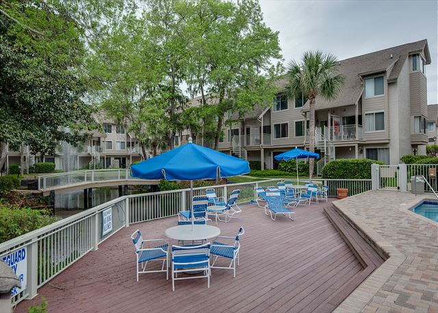 2 Bdr Condo Located in the Heart of HHI with Free Tennis!