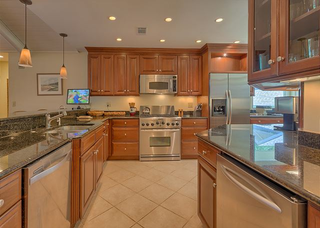 Promontory 15 - Fully Equipped Kitchen - HiltonHeadRentals.com
