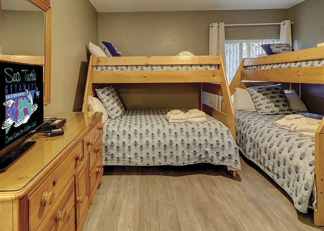 Bedroom 3 with Bunk beds, Flat Screen TV & Private Bath