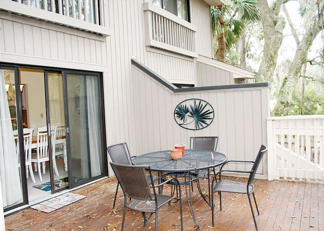 Beachwalk 204 - Spacious Back Deck - HiltonHeadRentals.com