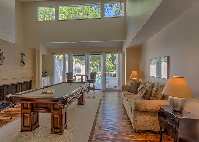 Water Oak 33 - Billiard Room overlooks Private Pool - HiltonHeadRentals.com