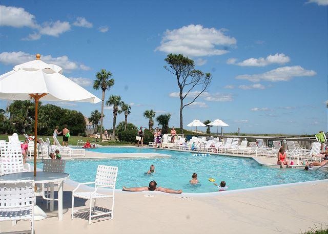 Ocean One 407 - Oceanfront Pool - HiltonHeadRentals.com