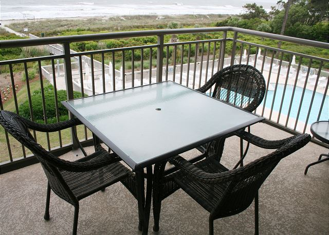 Alfresco Dining on your Oceanfront Balcony