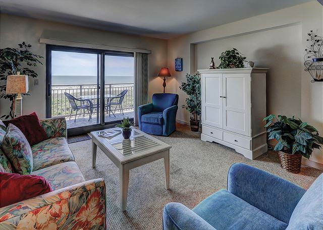 Ocean One 407 - Oceanfront Living Room - HiltonHeadRentals.com