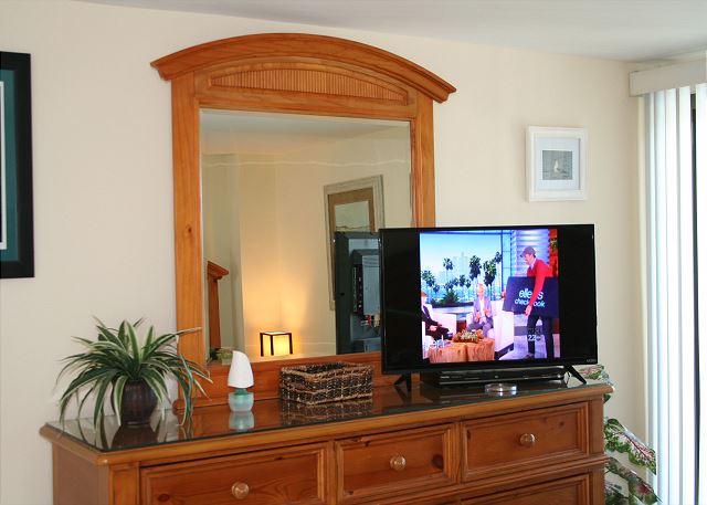 Ocean One 407 - Master Bedroom Flat Screen TV - HiltonHeadRentals.com