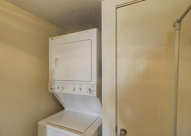 Bluff Villas 1817 - Laundry - HiltonHeadRentals.com