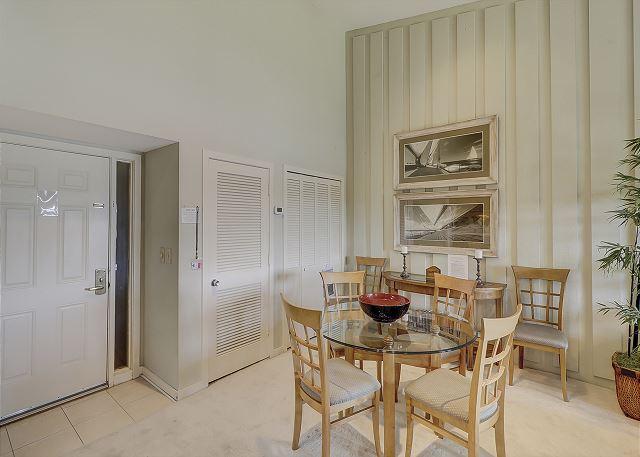 Bluff Villas 1817 - Dining Room - HiltonHeadRentals.com