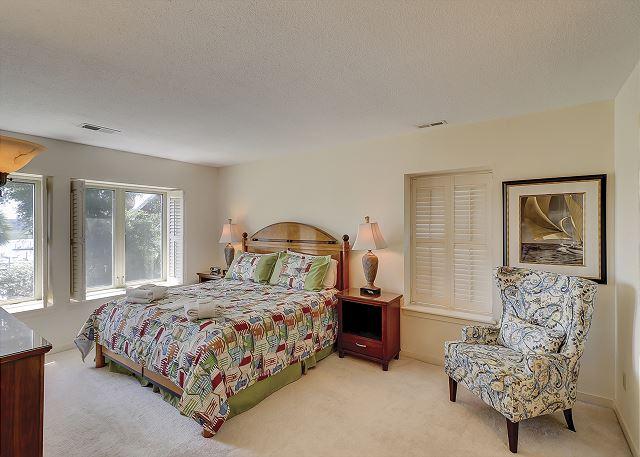 Bluff Villas 1817 - Master Bedroom with King bed, Flat Screen TV & Private Bath - HiltonHeadRentals.com