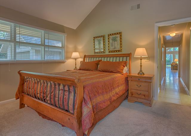 Battery 21 - Bedroom 2 with King bed, Flat Screen TV & Private Bath - HiltonHeadRentals.com