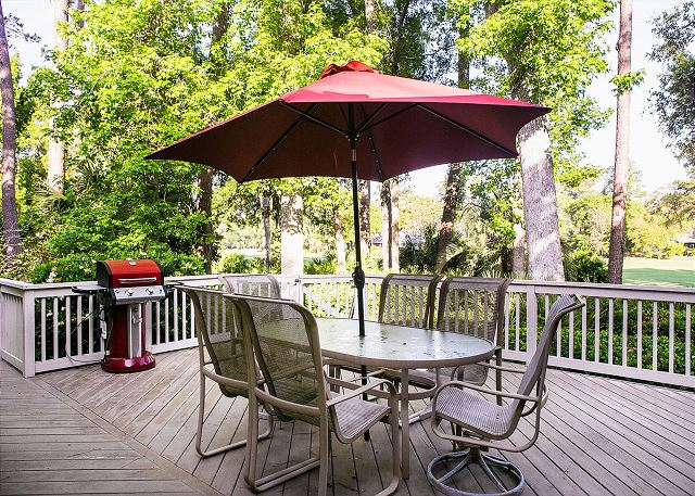 Rear Deck is ideal for Dining Al Fresco