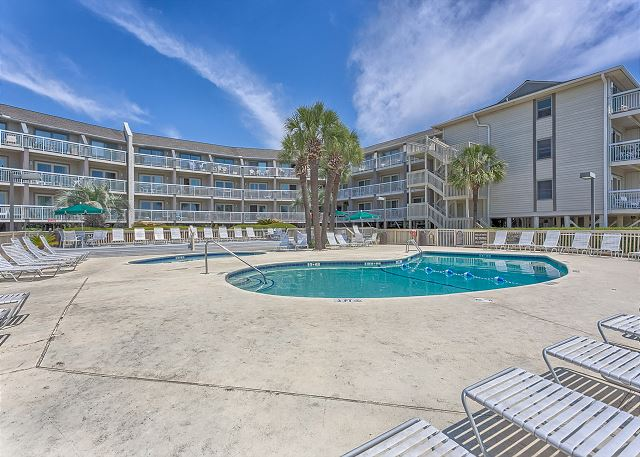 Breakers 219 - Pool is Heated March thru April - HiltonHeadRentals.com