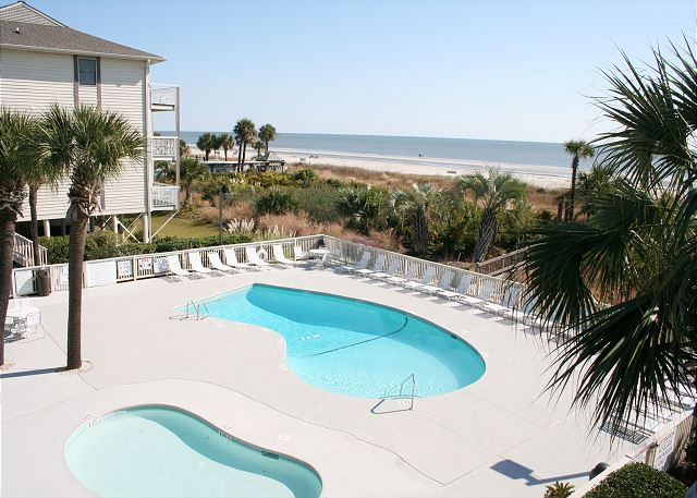 Breakers 320 - Oceanfront Pool & Baby Pool - HiltonHeadRentals.com