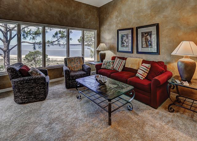 Beachside Tennis 1881 - Living Room with Views of the Pool & Beach - HiltonHeadRentals.com