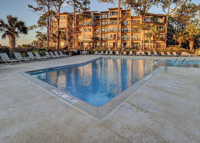 Beachside Tennis 1881 - Beachfront Pool - HiltonHeadRentals.com