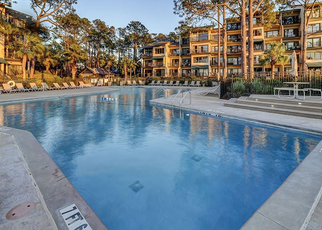 Beachside Tennis 1854 - Beachfront Pool measure 62' x 21' - HiltonHeadRentals.com