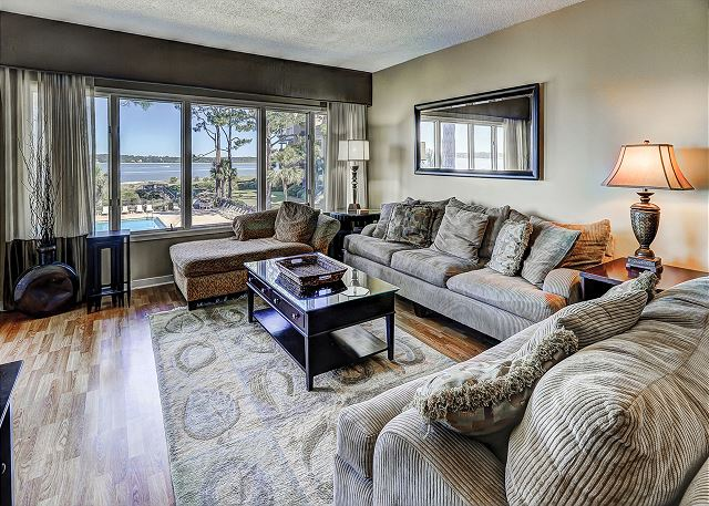 Beachside Tennis 1854 - Living Room with Flat Screen TV - HiltonHeadRentals.com