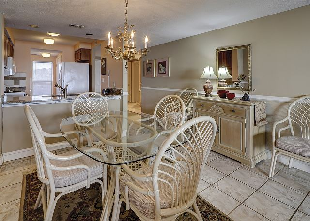 Captains Walk 481 - Dining Room - HiltonHeadRentals.com