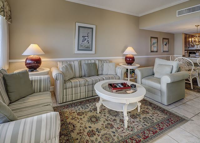 Captains Walk 481 - Living Room - HiltonHeadRentals.com