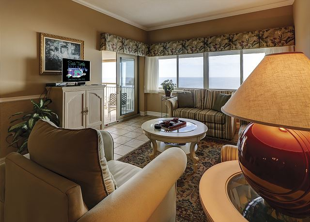 Captains Walk 481 - Oceanfront Living Room with Flat Screen TV & Queen Sleep Sofa - HiltonHeadRentals.com