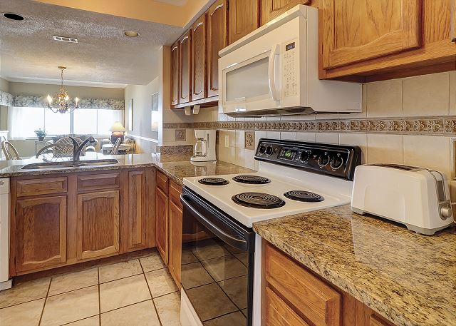 Captains Walk 481 - Fully Equipped Kitchen - HiltonHeadRentals.com