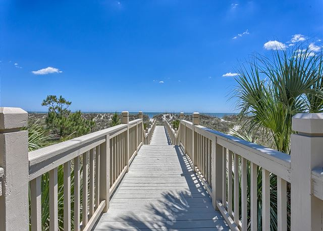 Barrington Court 210 - Private Walkway to the Beach - HiltonHeadRentals.com
