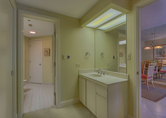Barrington Court 210 - Master Bath with Jacuzzi Tub & Shower - HiltonHeadRentals.com