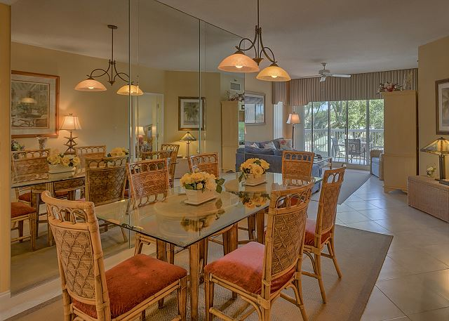 Barrington Court 210 - Dining Room - HiltonHeadRentals.com