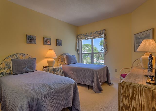Barrington Court 210 - Bedroom 2 with Twin beds & Private Bath - HiltonHeadRentals.com