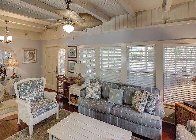 Bittern 15 - Living Room - HiltonHeadRentals.com
