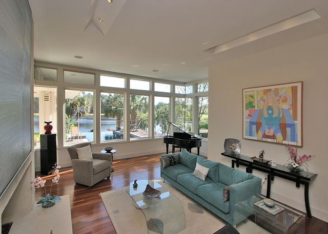 Full Sweep 16 - Sunken Living Room - HiltonHeadRentals.com