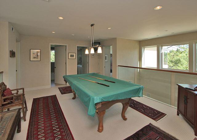 Full Sweep 16 - Billiard Room - HiltonHeadRentals.com