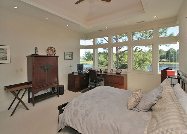 Full Sweep 16 - Bedroom 2 with Queen bed & Private Bath - HiltonHeadRentals.com