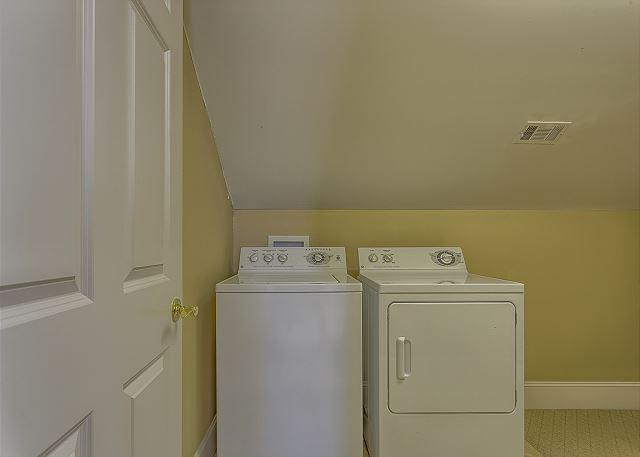 Singleton Beach 5 - 3rd Floor Laundry - HiltonHeadRentals.com