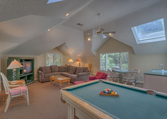 Billiard Room with Wet Bar