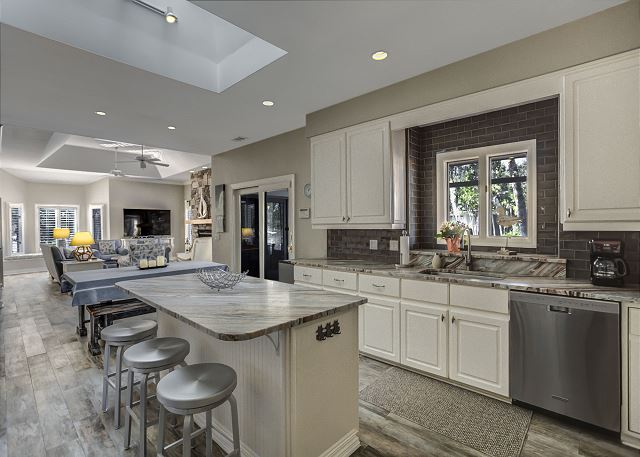 Fully Equipped Kitchen with Center Island