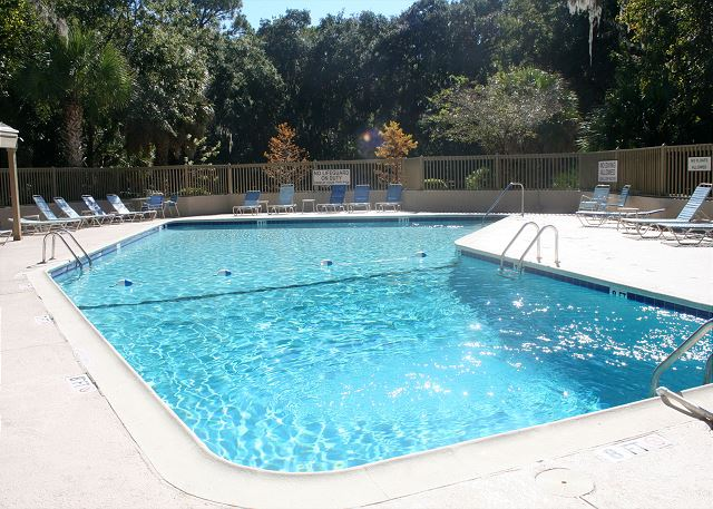 Shipmaster 604 - Large Sunny Pool on Site - HiltonHeadRentals.com