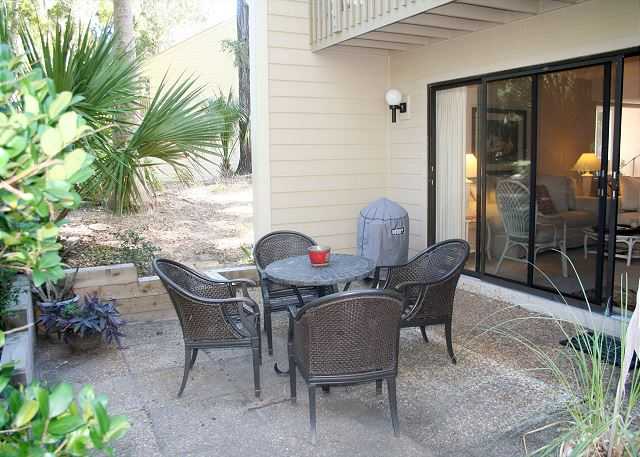 Shipmaster 604 - Private Patio - HiltonHeadRentals.com