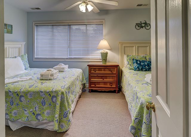 Sandpiper 30 - Bedroom 3 with Double Beds, Flat Screen TV & Shared Bath - HiltonHeadRentals.com
