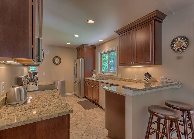 Surf Scoter 12 - Fully Equipped Kitchen - HiltonHeadRentals.com
