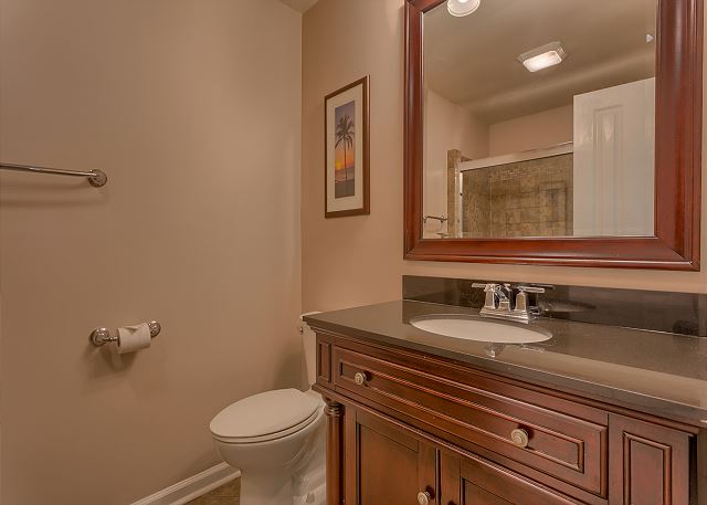 Surf Scoter 12 - Bedroom 2 Private Bath - HiltonHeadRentals.com